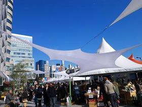 東京の青山で生産者が旬の野菜を消費者へ届ける都市型直売所「ファーマーズマーケット@UNU」