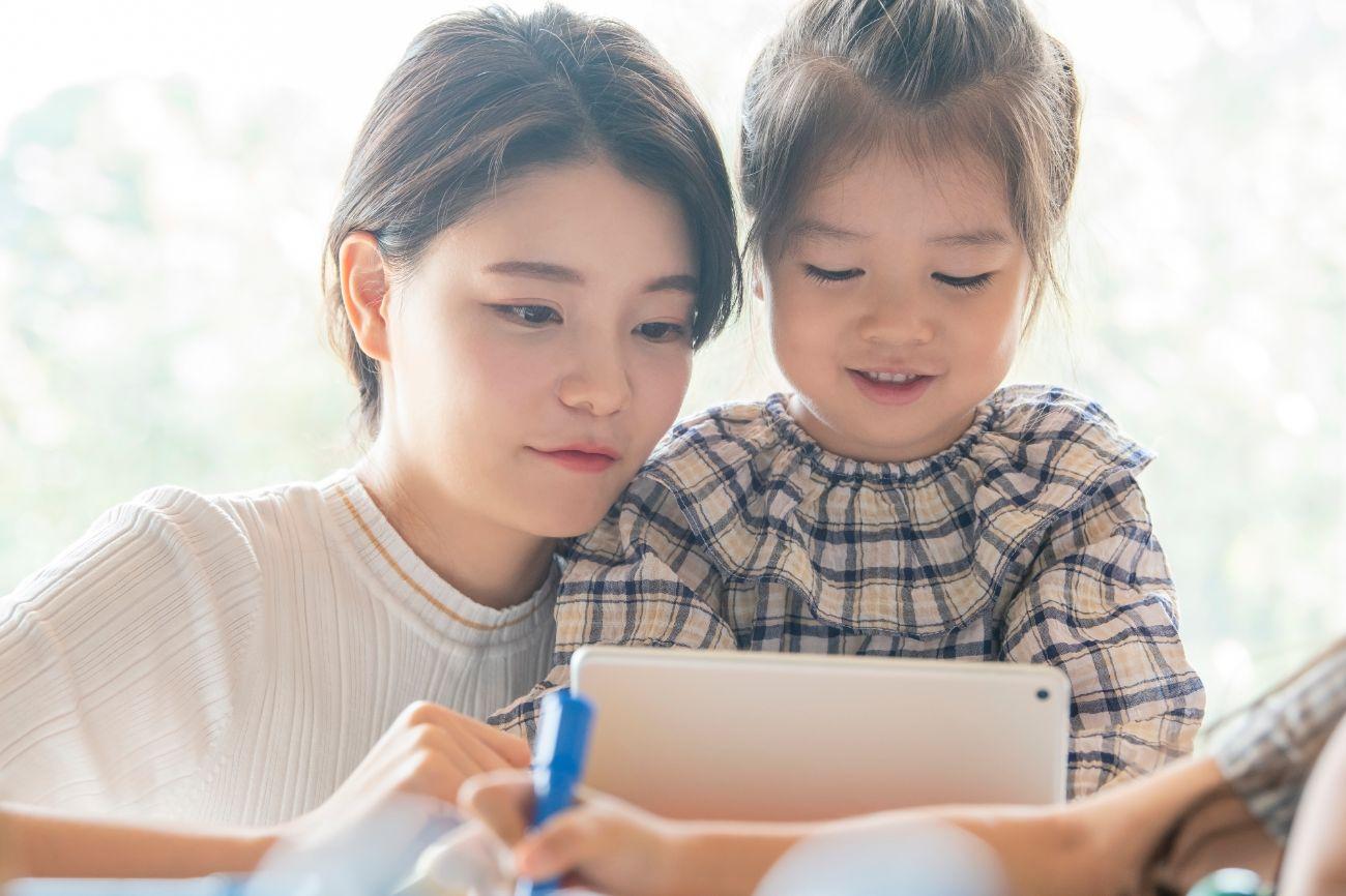 育児にタブレットが有効という「事実」を把握し、記事での話題拡大から親子カフェでの導入まで