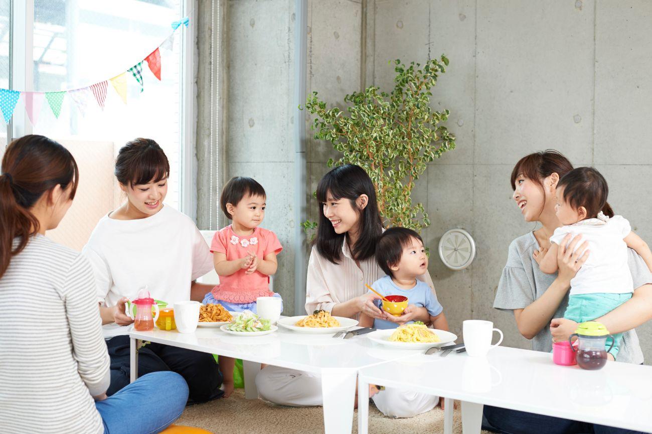 """15日で30回以上!親子カフェでママ会を実施! 当該商品がママに支持されている""""事実""""をつくる"""